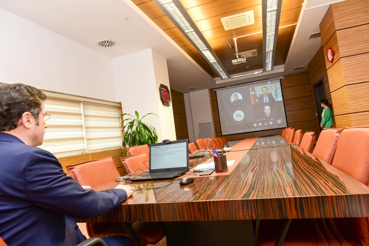 """""""Uzaktan Eğitim, İş ve Kariyer - 5N1K -"""" Çevrimiçi Konferansı Başladı"""