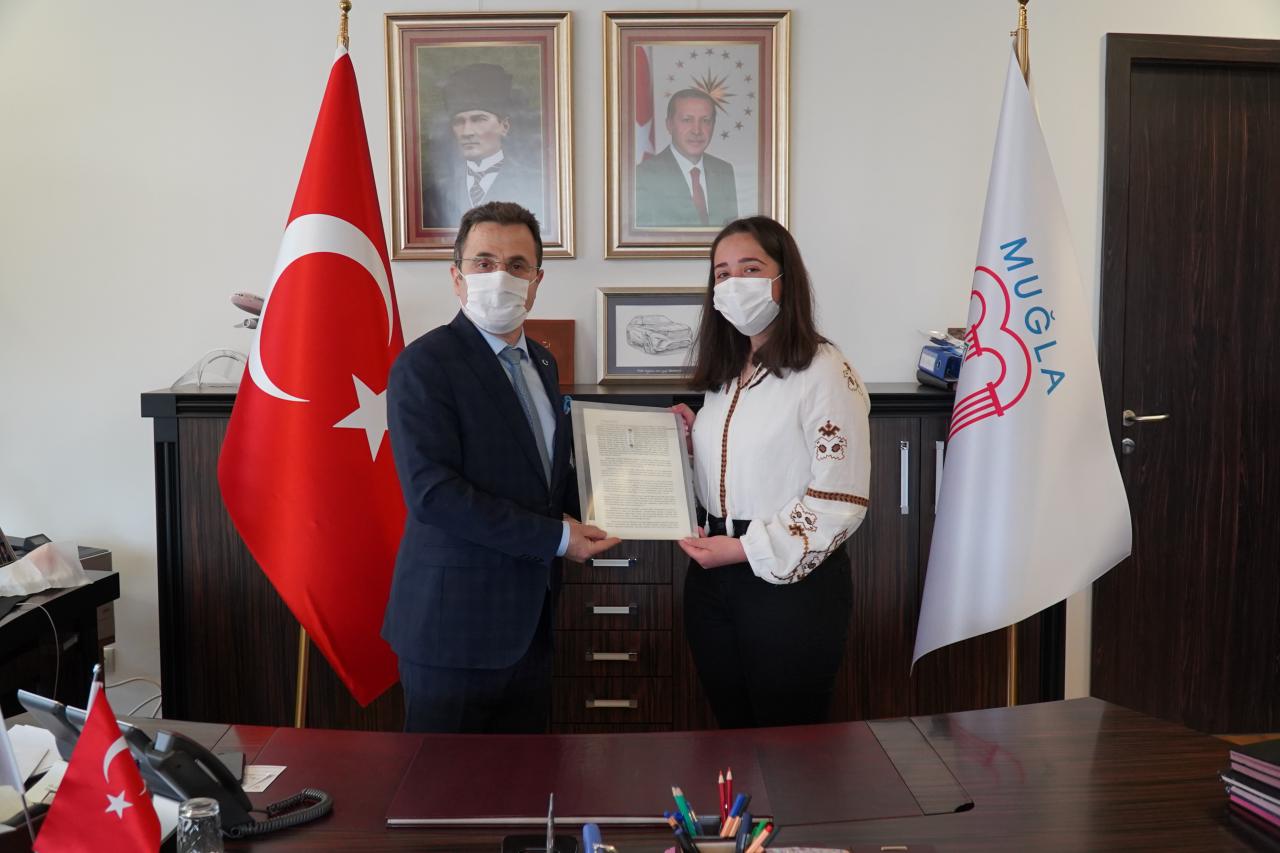 Rektör Çiçek, Türkiye Üçüncüsü Öğrencimizi Ağırladı