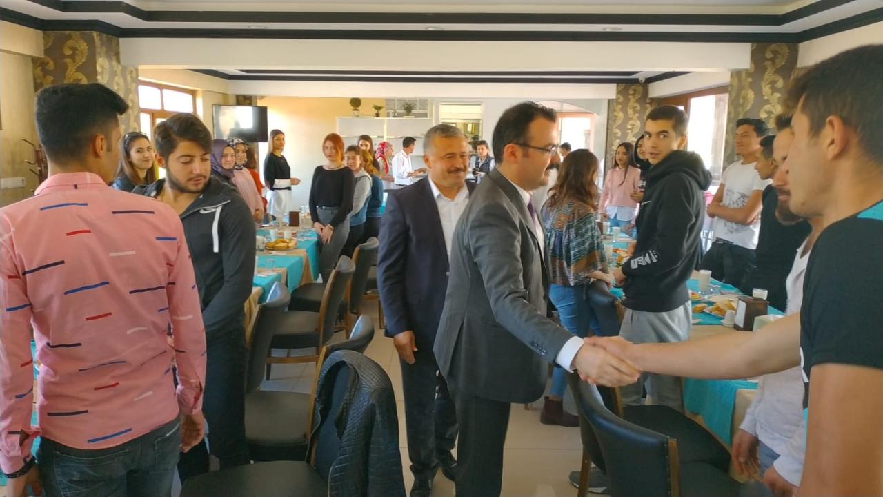 Kavaklıdere Şehit Mustafa Alper MYO Öğrencilerine Öğle Yemeği