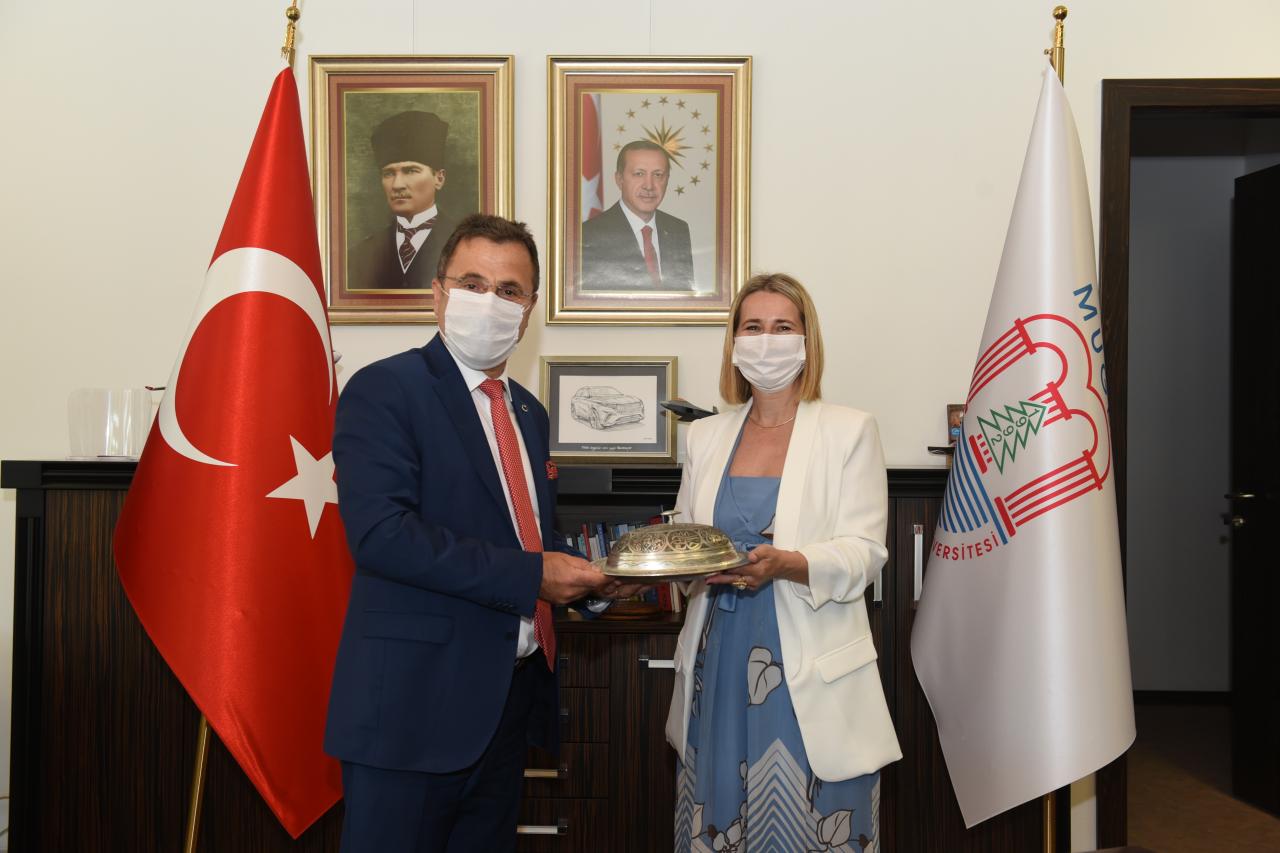 Hırvatistan Başkonsolosu Rektör Çiçek'i Ziyaret Etti