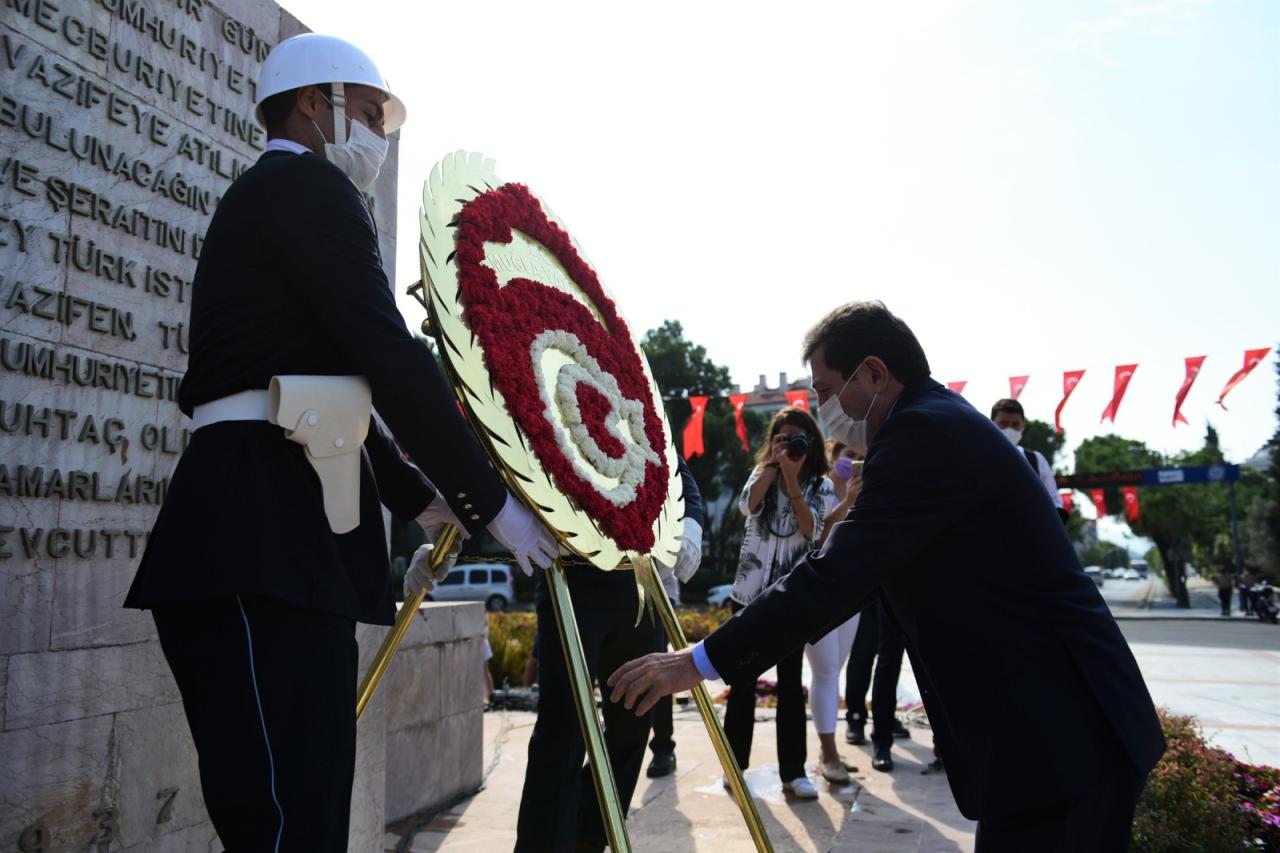 Rektör Çiçek, Gaziler Günü Törenine Katıldı