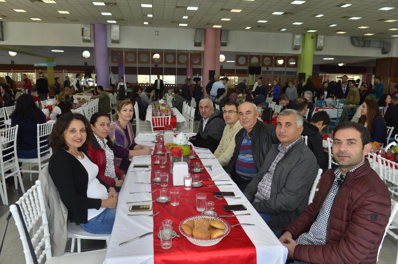 Üniversitemiz İdari Personeli İçin Kahvaltı Programı Düzenlendi