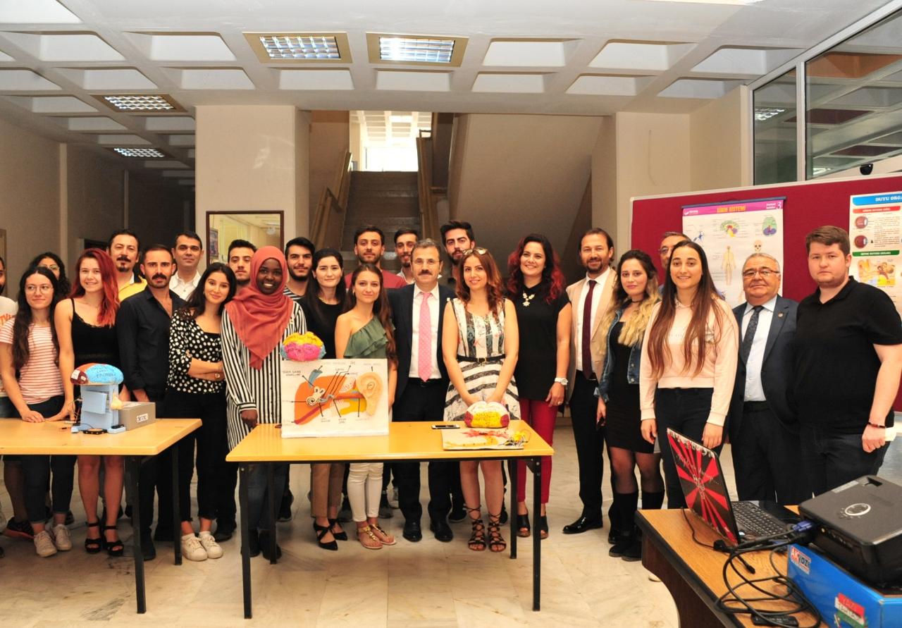 Edebiyat Fakültesi Öğrencilerinden Dönem Sonu Sergisi