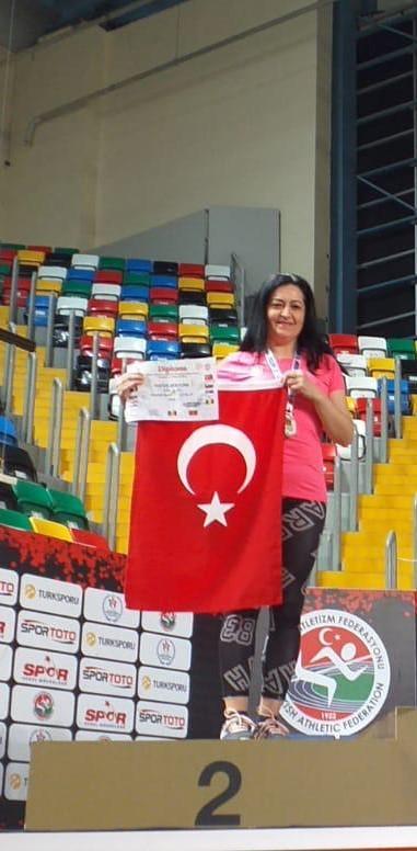 Öğretim Elemanlarımız ve Öğrencilerimiz Balkan Master Salon Atletizm Şampiyonasında Göğsümüzü Kabarttı