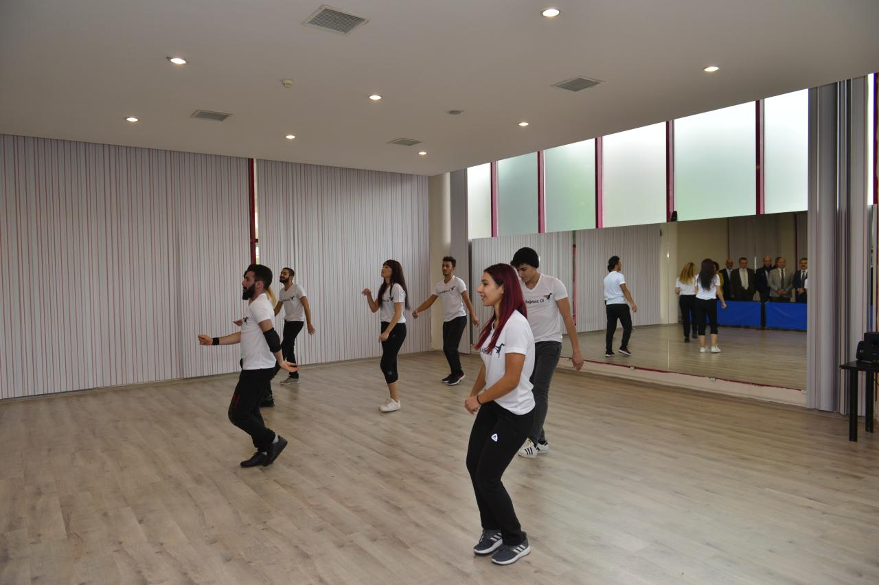 Üniversitemiz Bünyesinde Dans Salonu Açıldı