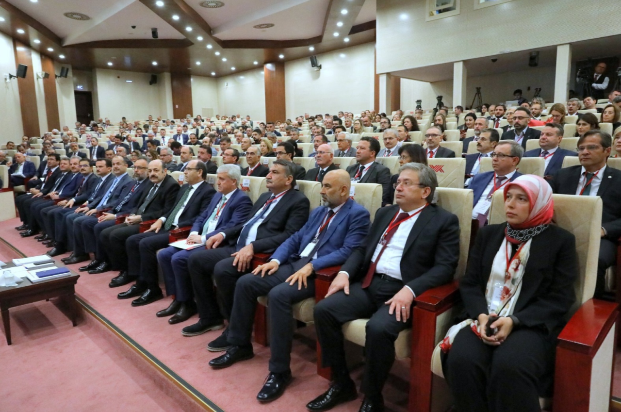 Türk Yükseköğretiminin Uluslararasılaşması: Fırsatlar ve Tehditler Çalıştayı Düzenlendi
