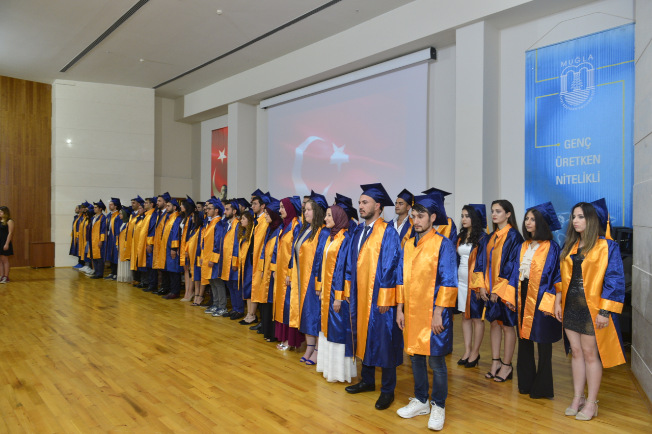 Üniversitemiz, Teknoloji Fakültesi mezunlarını uğurladı
