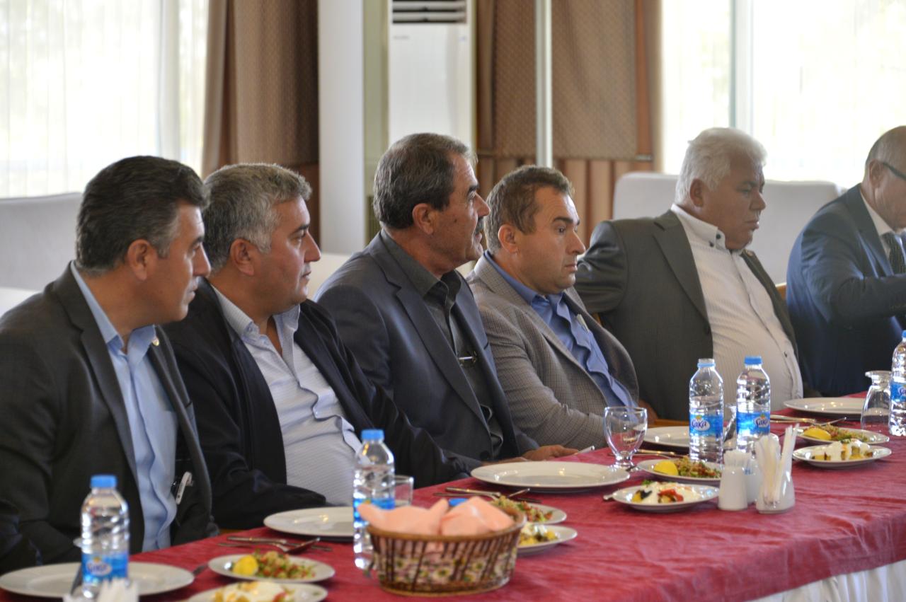 Üniversitemiz Rektörü Prof. Dr. Hüseyin Çiçek Muhtarlar ile Buluştu