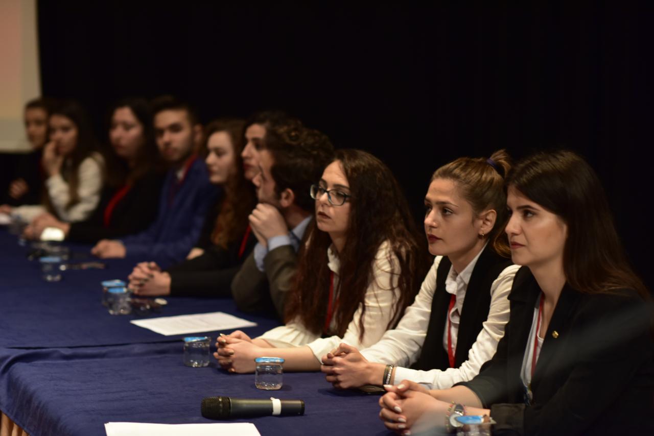 Öğrenciler 2023 Eğitim Vizyonu'nu Tartıştı