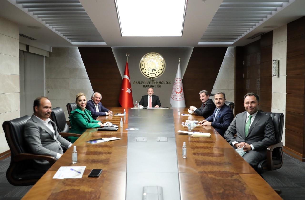 Rektörümüz Çiçek, Sanayi ve Teknoloji Bakanı Varank'ı Ziyaret Etti