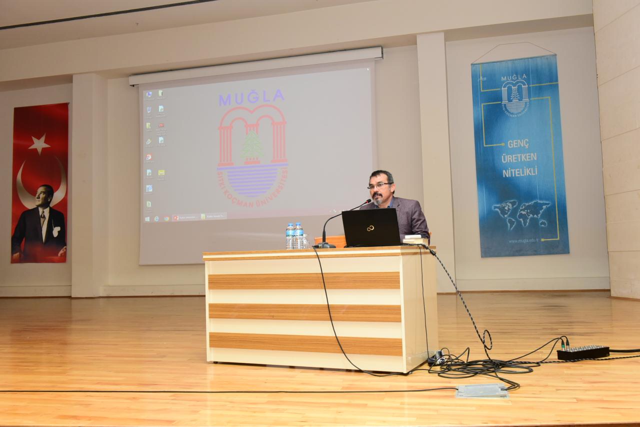 """Üniversitemizde """"Kudüs İzlenimleri Konferansı"""" Gerçekleştirildi"""