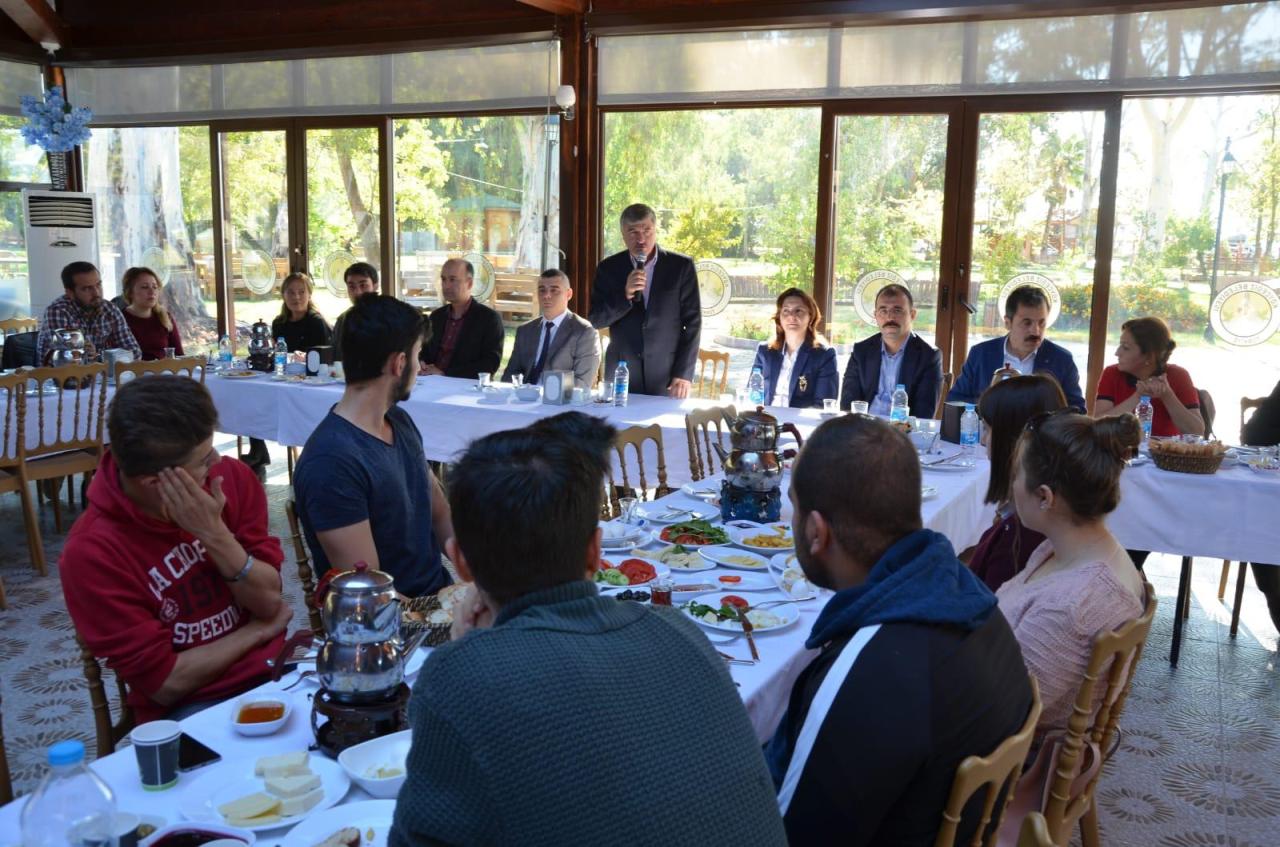 Köyceğiz MYO ve Köyceğiz Sağlık Hizmetleri MYO Öğrencilerine Kahvaltı