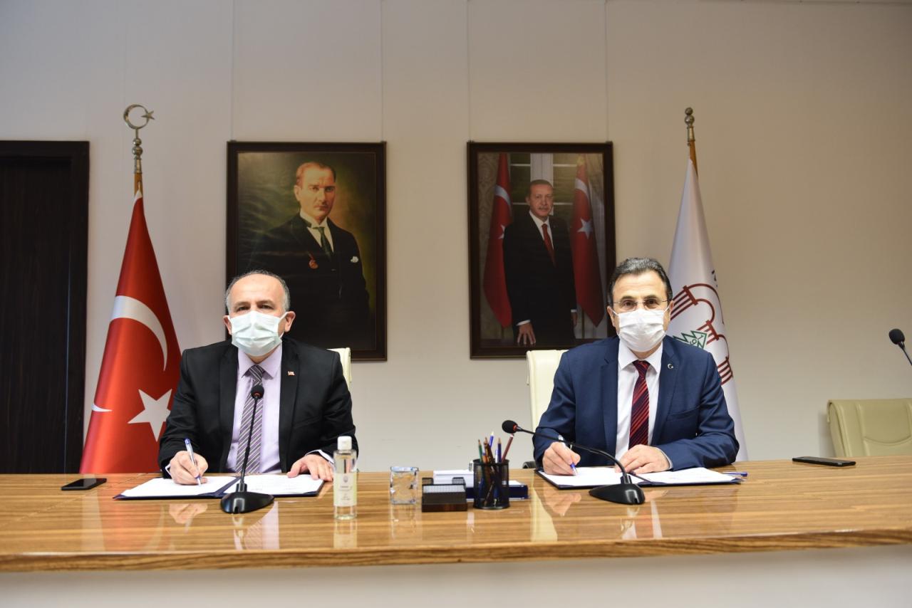 Üniversitemiz ile Gençlik ve Spor İl Müdürlüğü Arasında İş Birliği Protokolü İmzalandı
