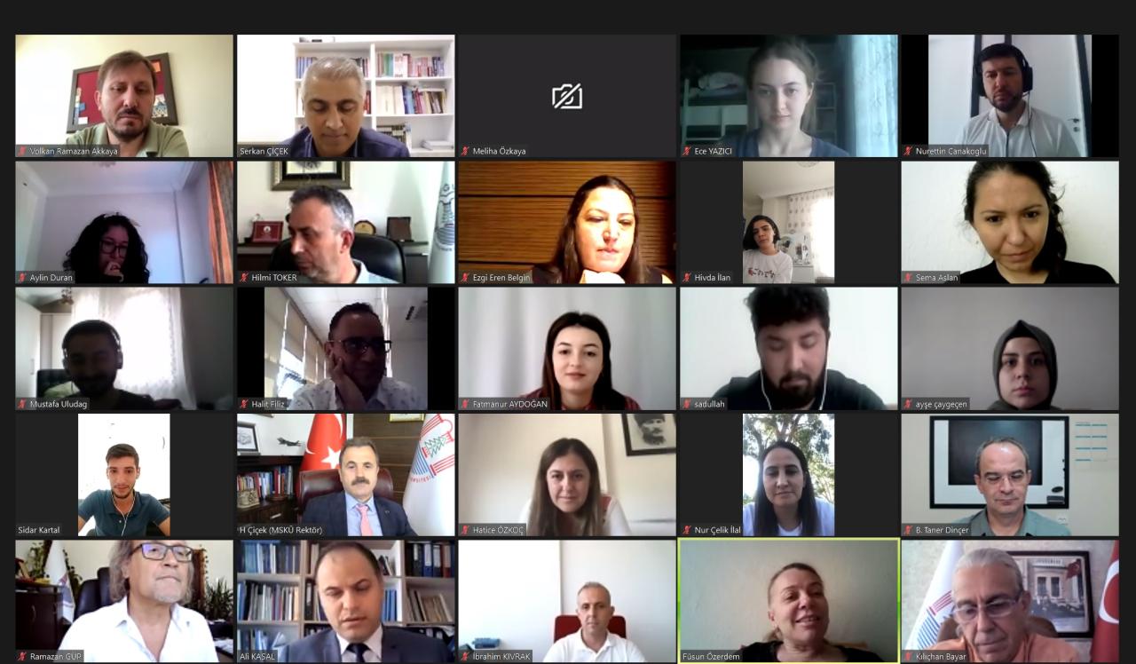 Rektör Çiçek, TÜBİTAK Projeleri Kabul Edilen Öğrencilerle Buluştu