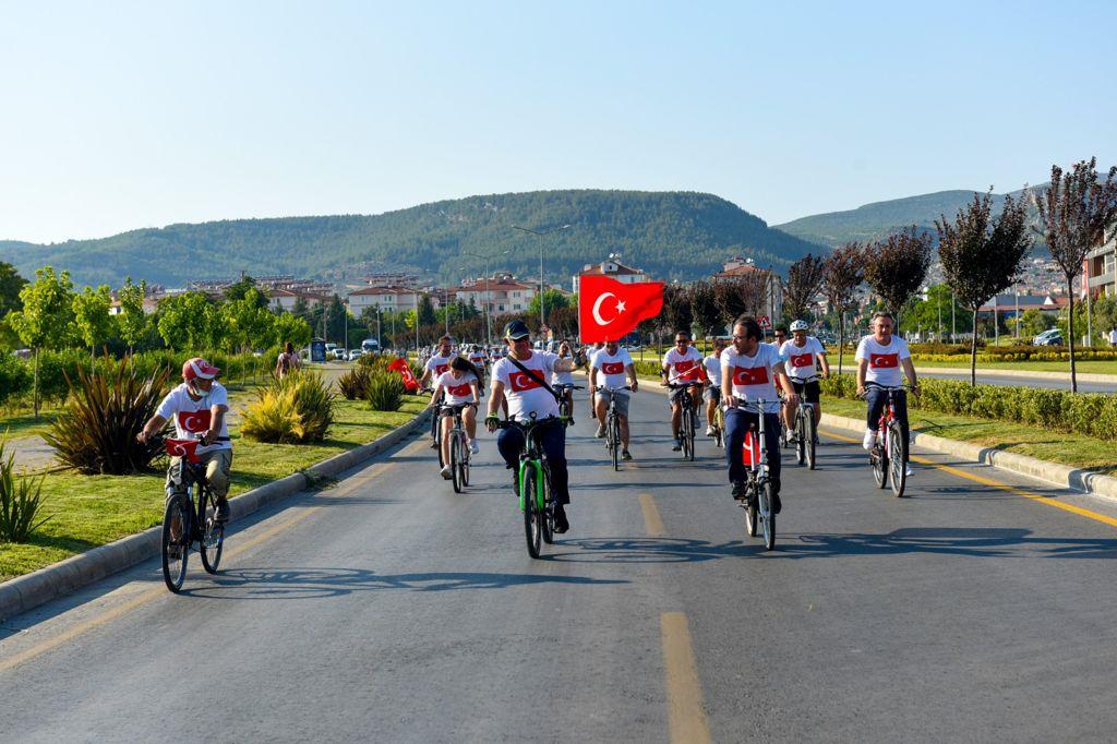 """Pedallar """"15 Temmuz Demokrasi ve Milli Birlik Günü"""" İçin Çevrildi"""
