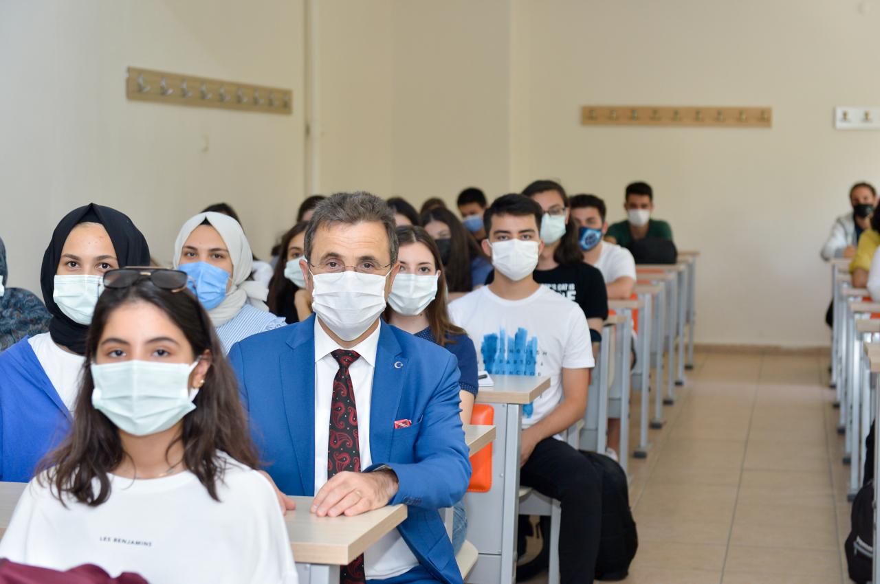 Diş Hekimliği Fakültemizde İlk Ders Heyecanı